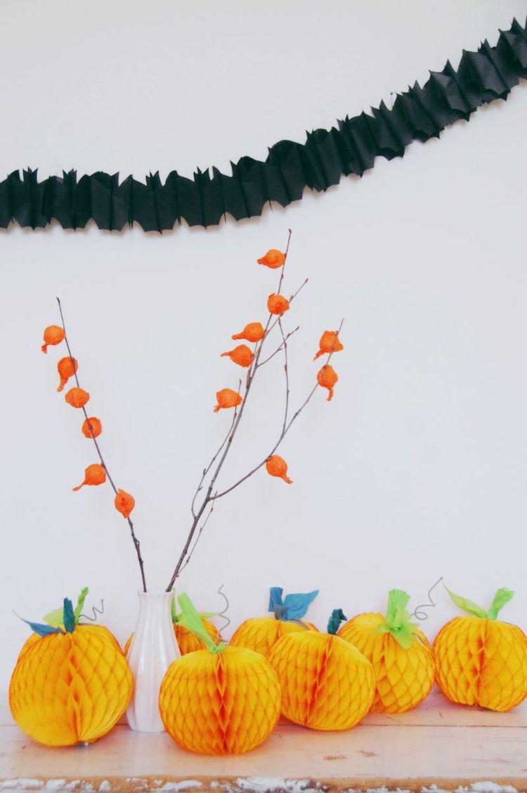 Honeycomb Pumpkins DIY Halloween Decor