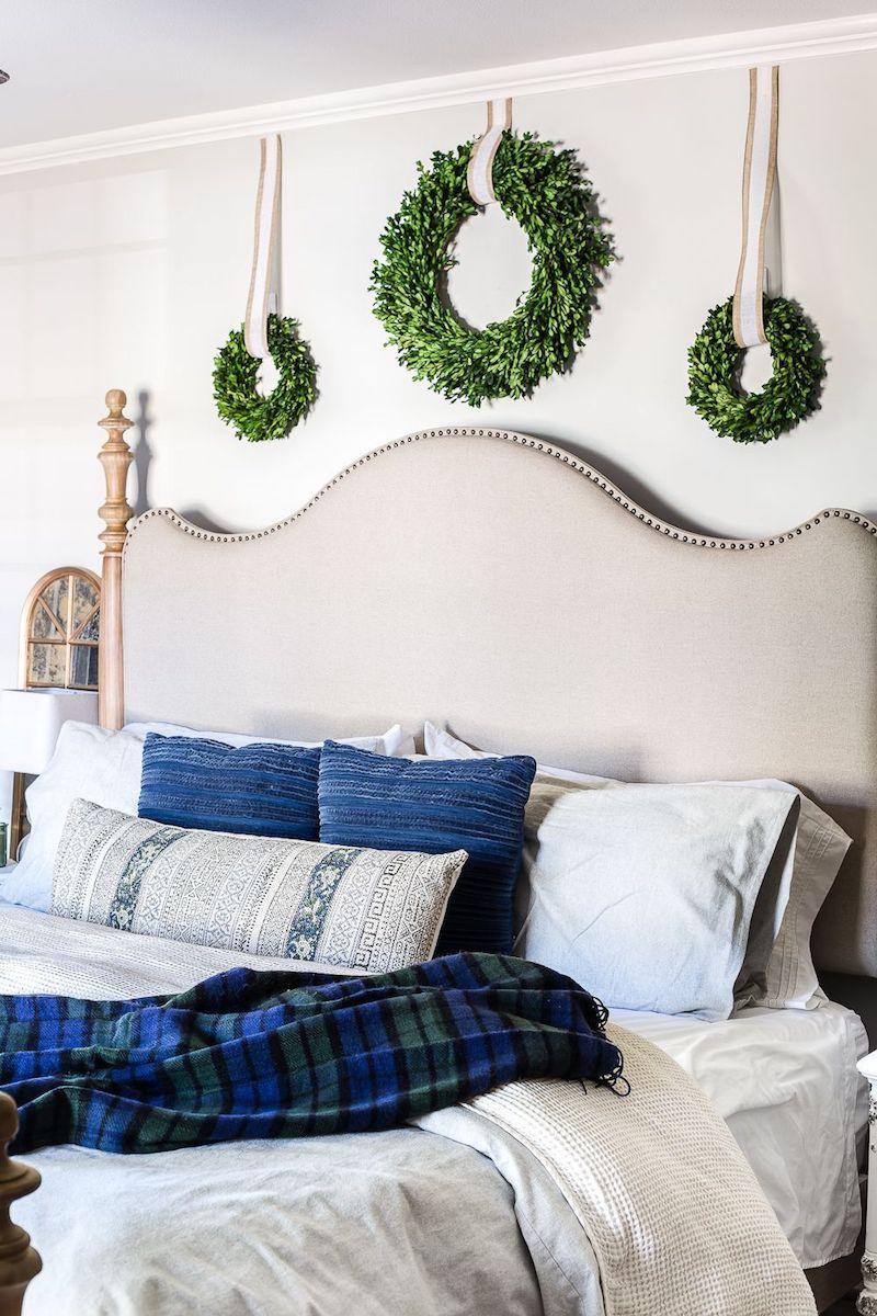Blue Christmas Bedroom Decor via blesserhouse