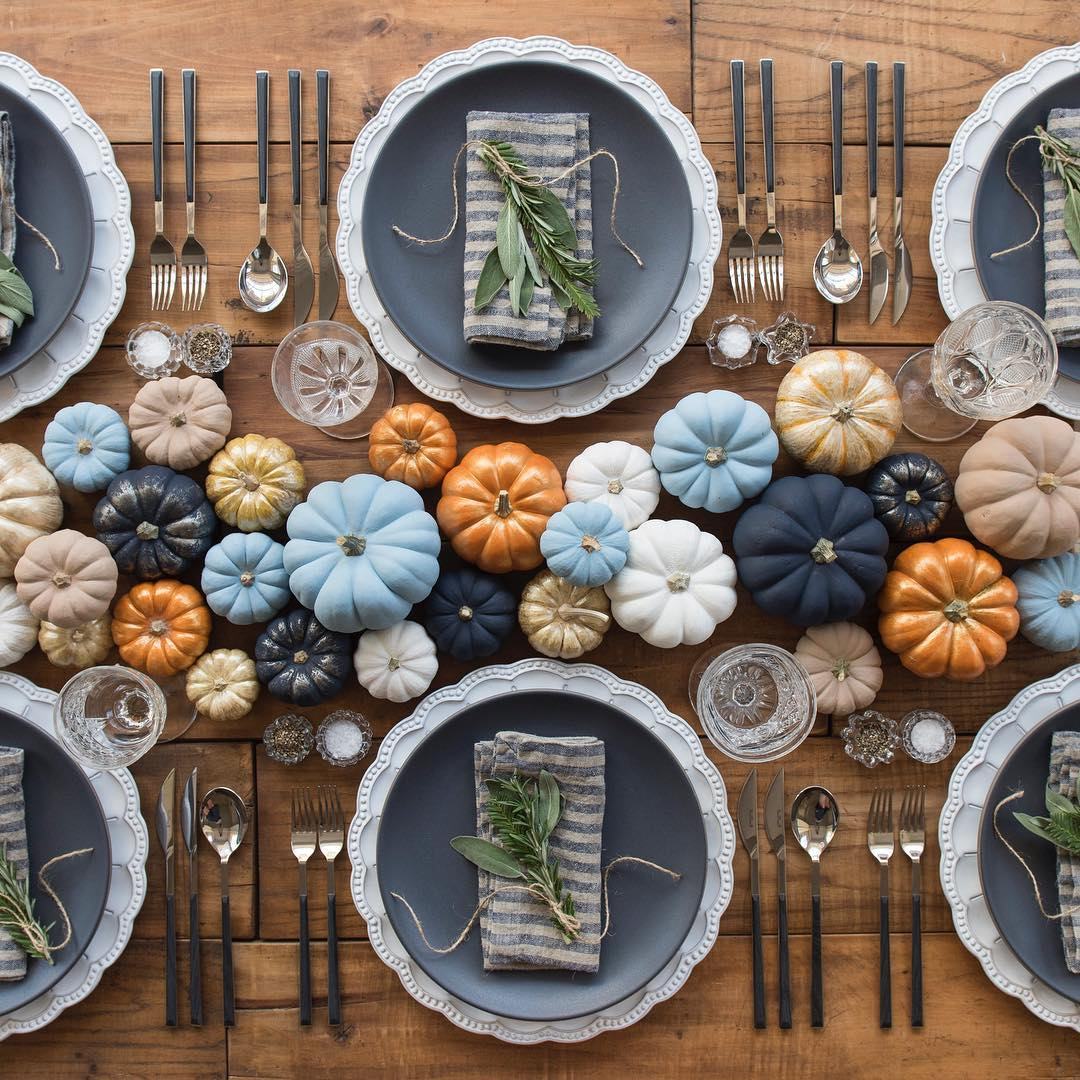 Blue And Orange Pumpkins Thanksgiving Tablescape via Casadeperrin