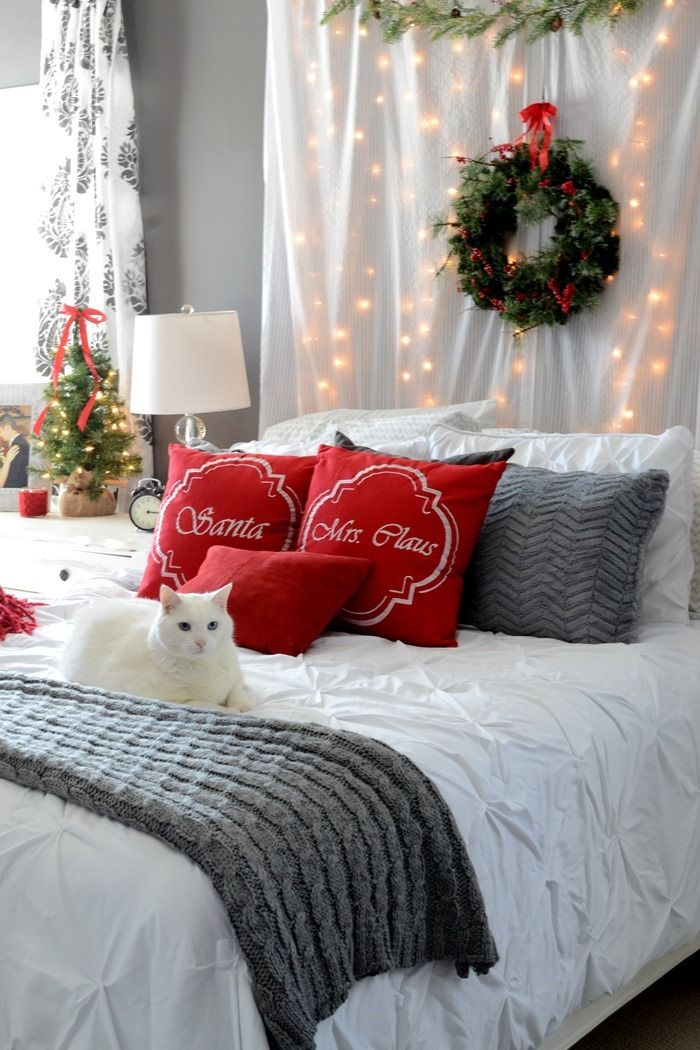 Christmas Bedroom String Lights Decor via thefrugalhomemaker