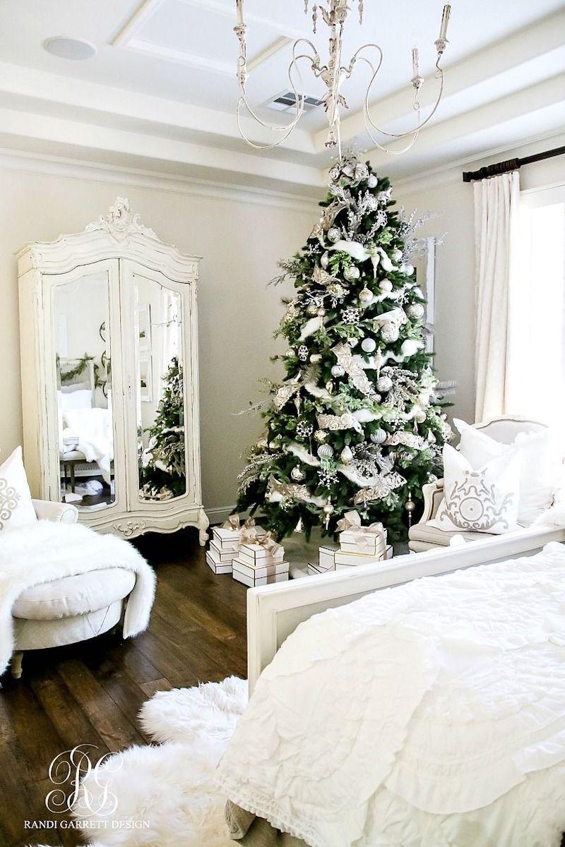 Christmas Tree Bedroom Decor via randigarrettdesign