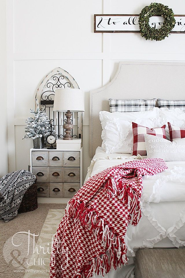 Classic Christmas Bedroom Decor via thriftyandchic