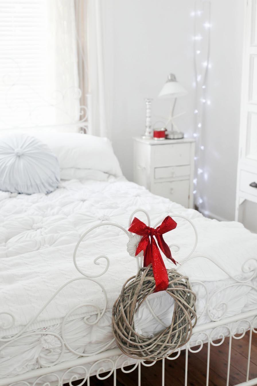 Coastal Christmas Bedroom Decor via abeachcottage
