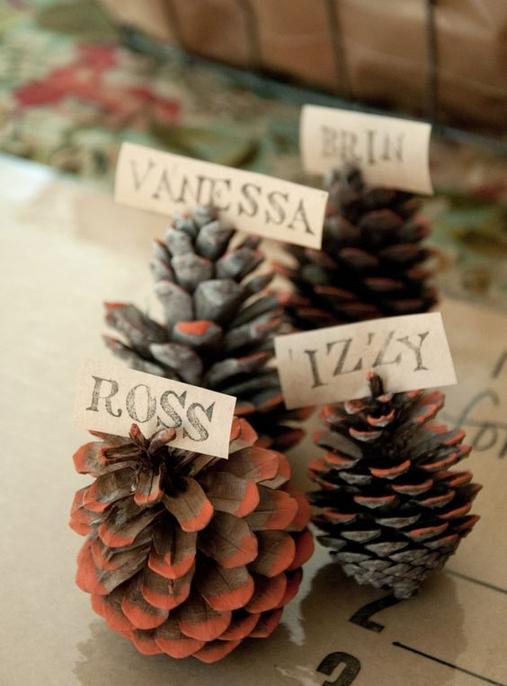 DIY Painted Pinecone Thanksgiving Place Card For Thanksgiving