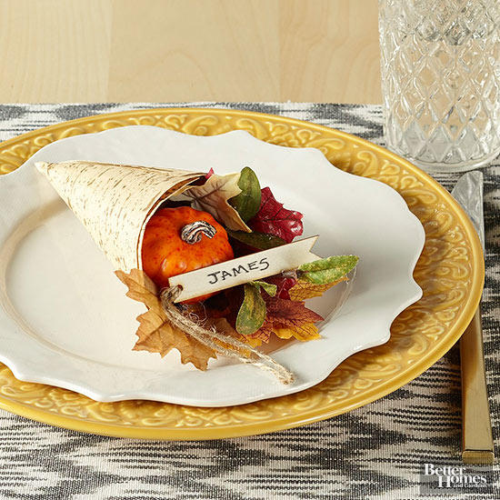 DIY Thanksgiving Cornucopia Place Setting via BHG
