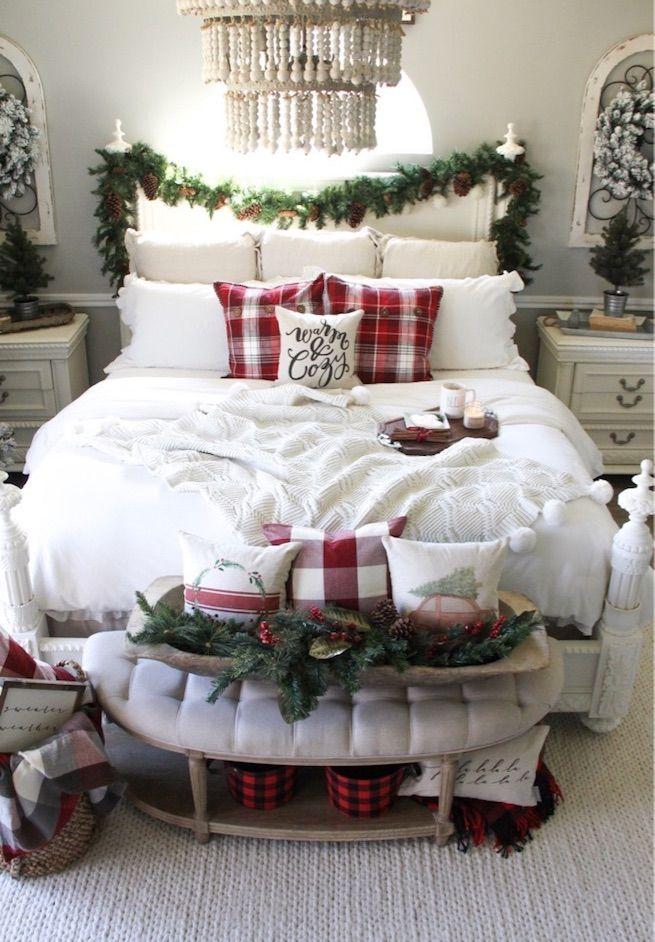 Easy Christmas Bedroom Decor via clareandgracedesigns