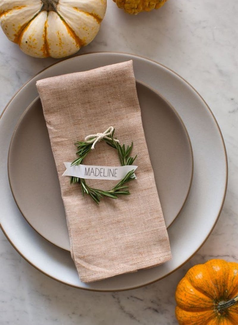 Easy DIY Thanksgiving Rosemary Wreath Place Cards from Spoon Fork Bacon