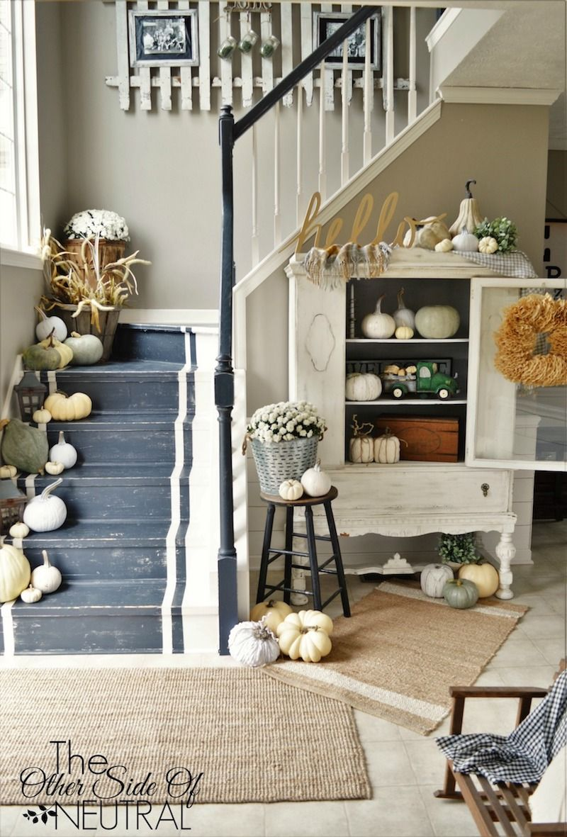 Fall Entryway Decor from theothersideofneutral