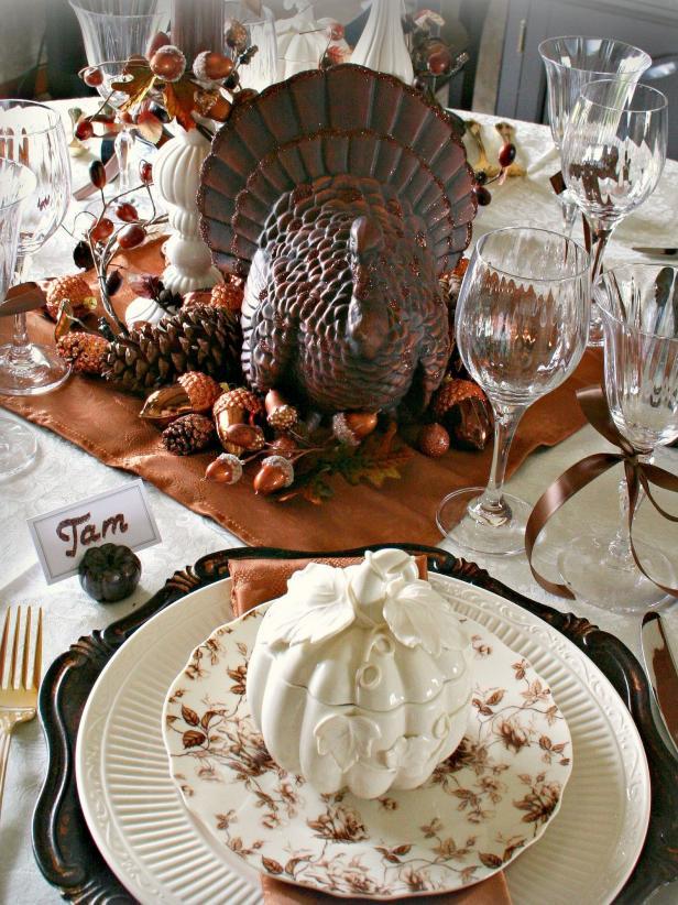 Large Turkey Centerpiece Thanksgiving Tablescape via HGTV