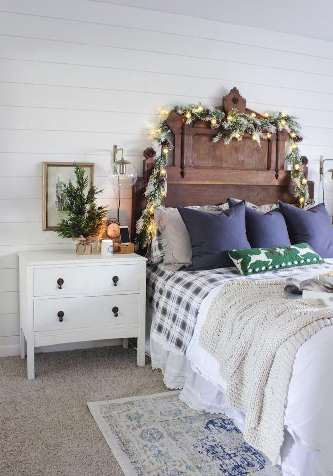 Rustic Country Christmas Bedroom Decor via shadesofblueinteriors