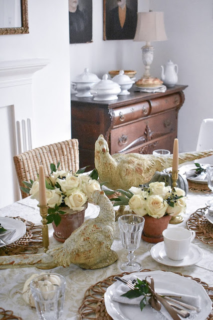 Vintage Lakehouse Thanksgiving Tablescape via TheGrowersDaughter