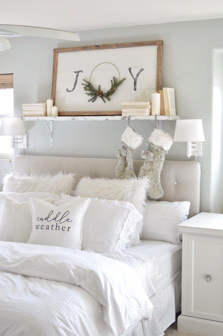White Christmas Bedroom Decor via myvintageporch