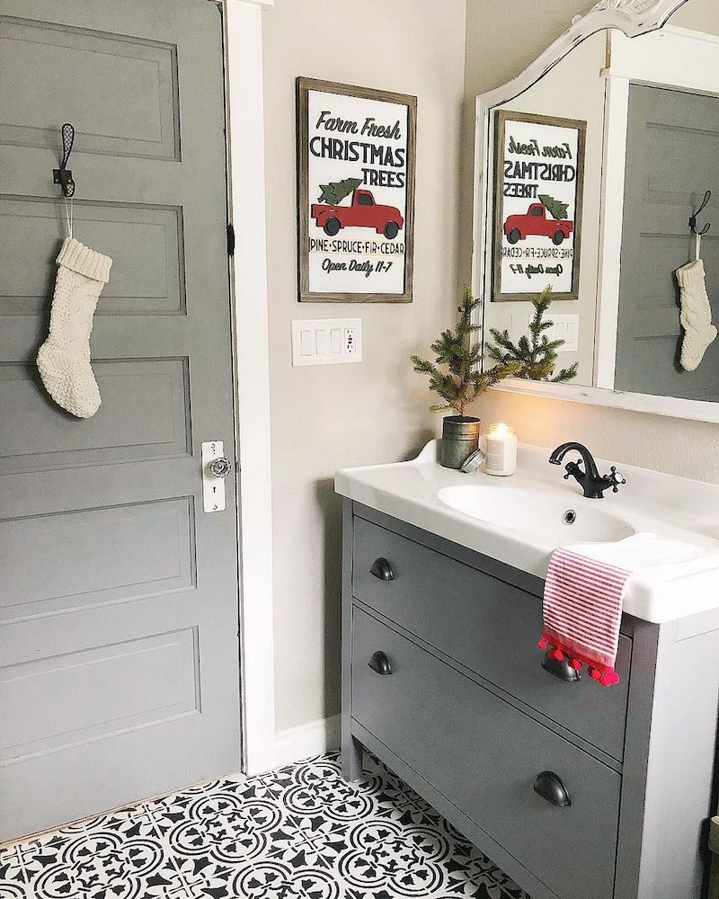 Farmhouse Bathroom Decor for Christmas via @farmsteadonfirst #ChristmasDecor #ChristmasBathroom