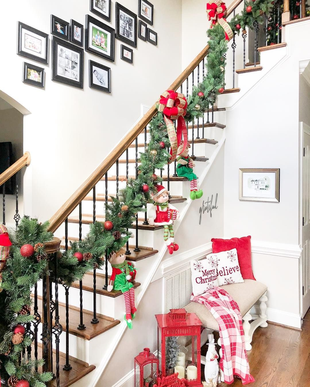 Adorable Elves on the Steps of a Christmas Entryway via @summerblaisep #ChristmasDecor #ChristmasHome