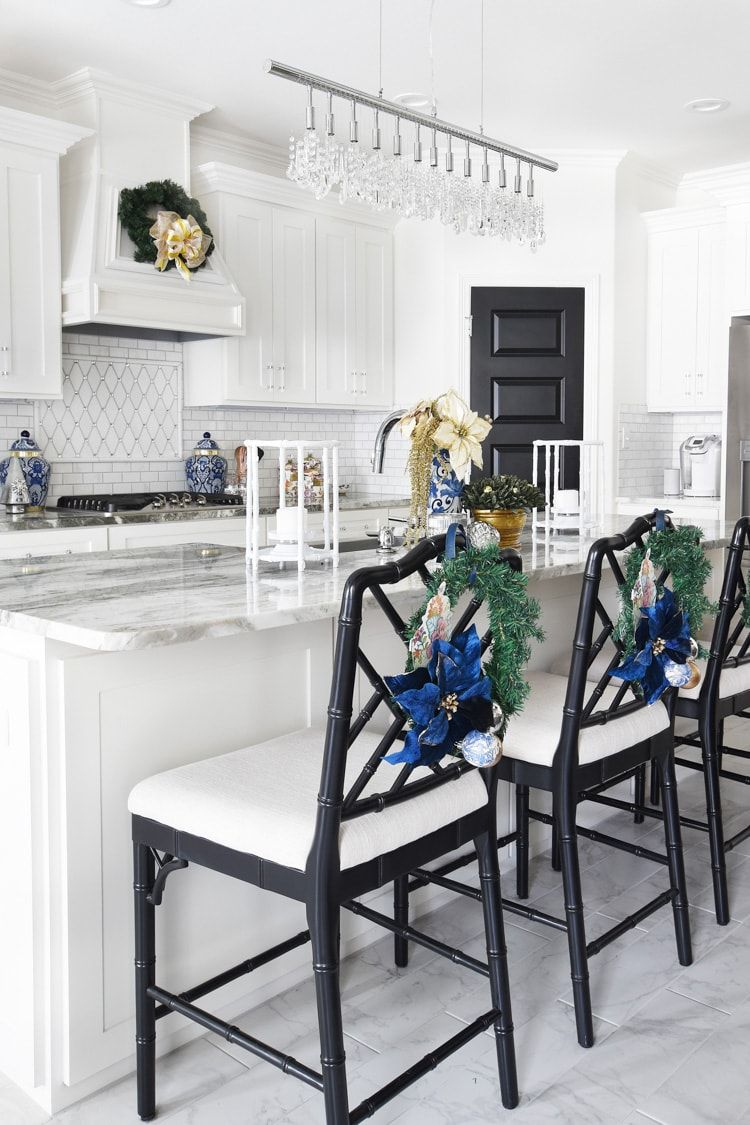 Blue Christmas Kitchen Island Decor via @monicawantsit