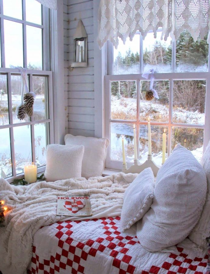 10 Extra Cozy Christmas Nooks Where You'll Want to Spend All Winter Long!