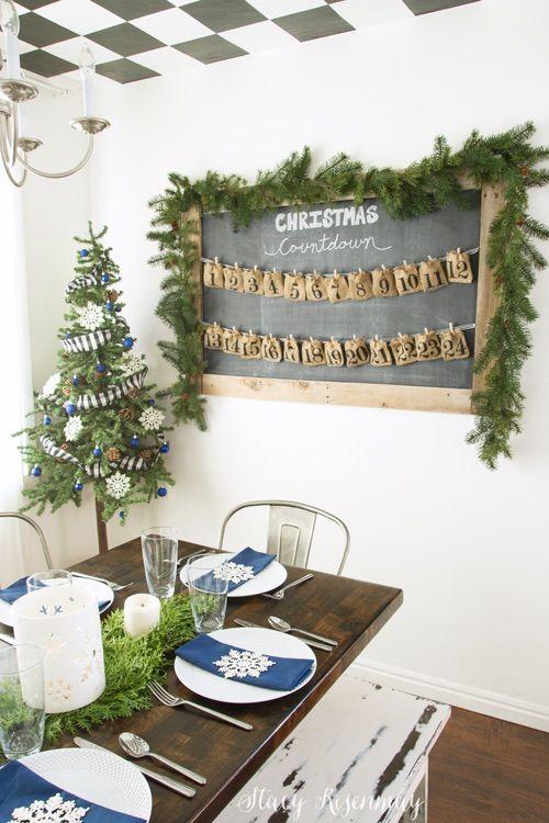 Christmas Dining Room Advent Calendar via notjustahousewife #ChristmasDecor #ChristmasDiningRoom