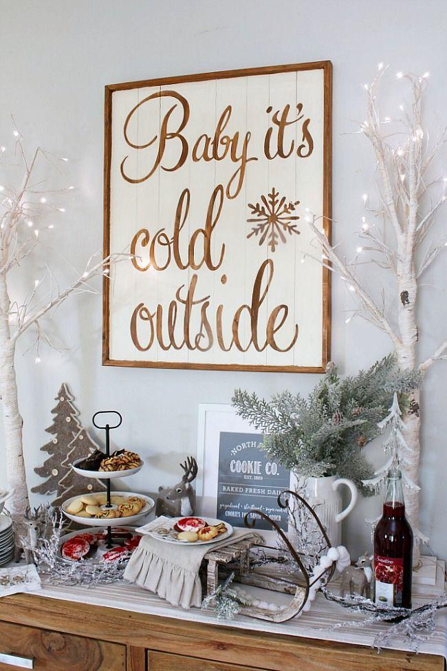 Christmas Dining Room Buffet Decor via cleanandscentsible #ChristmasDecor #ChristmasDiningRoom