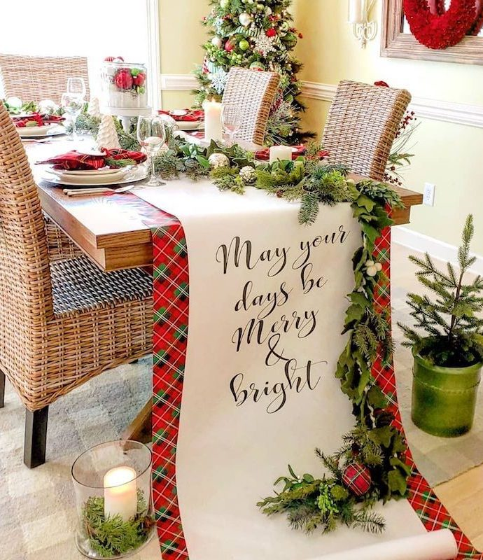 21 Festive Christmas Tablescape Decor Ideas
