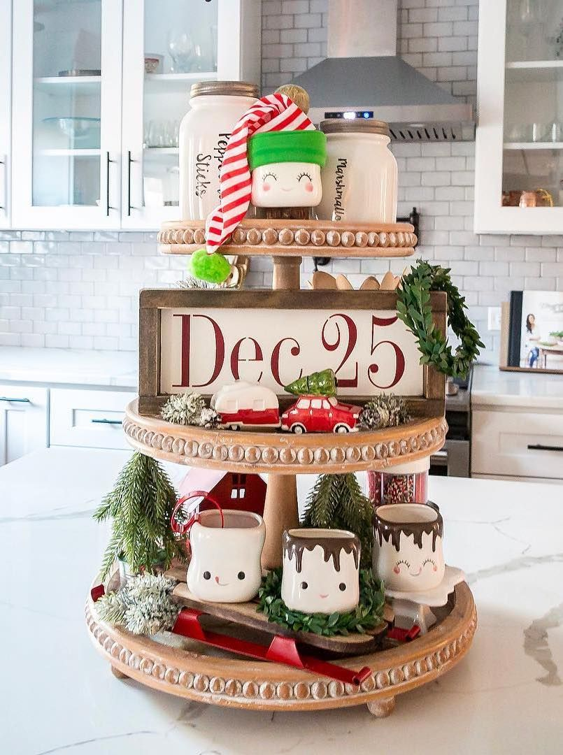 Christmas Tiered Stand Decor via @myrusticretreat