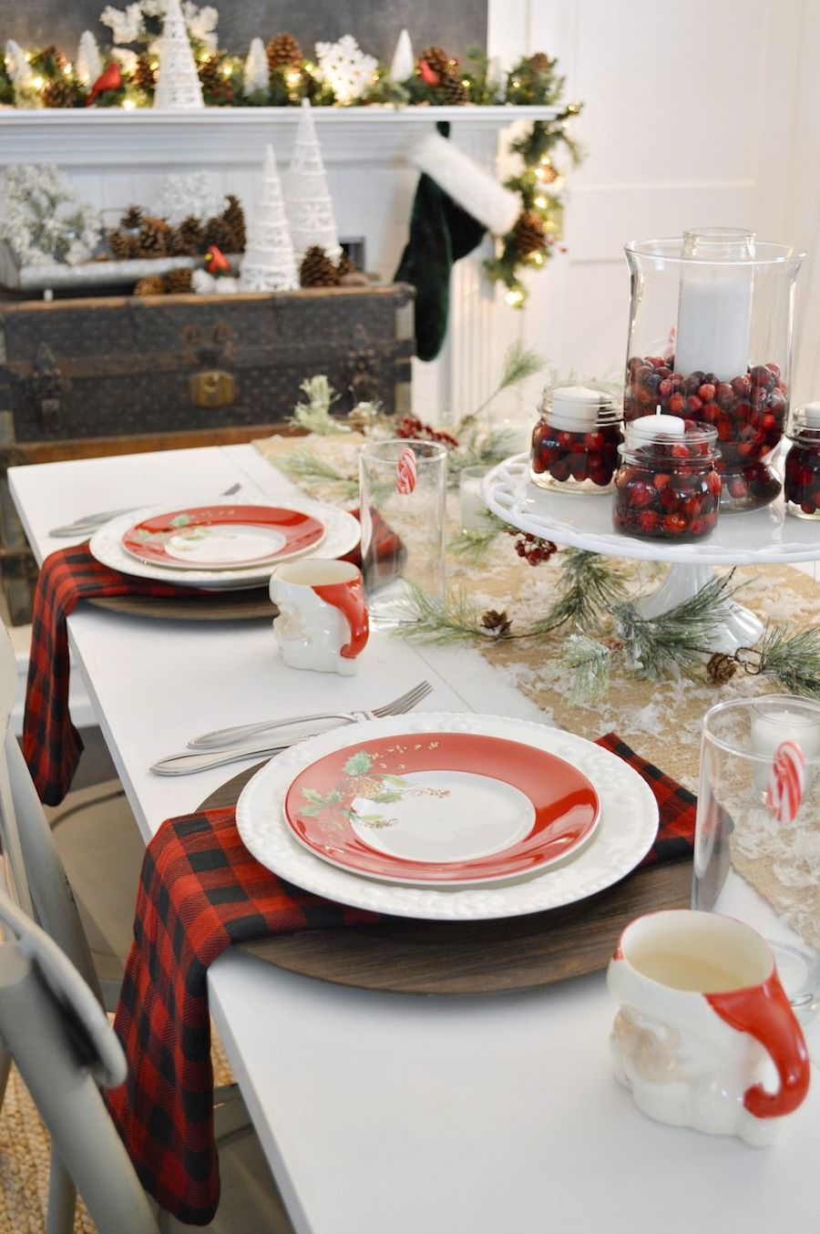 Cottage Farmhouse Christmas Dining Room Decor via foxhollowcottage #ChristmasDecor #ChristmasDiningRoom