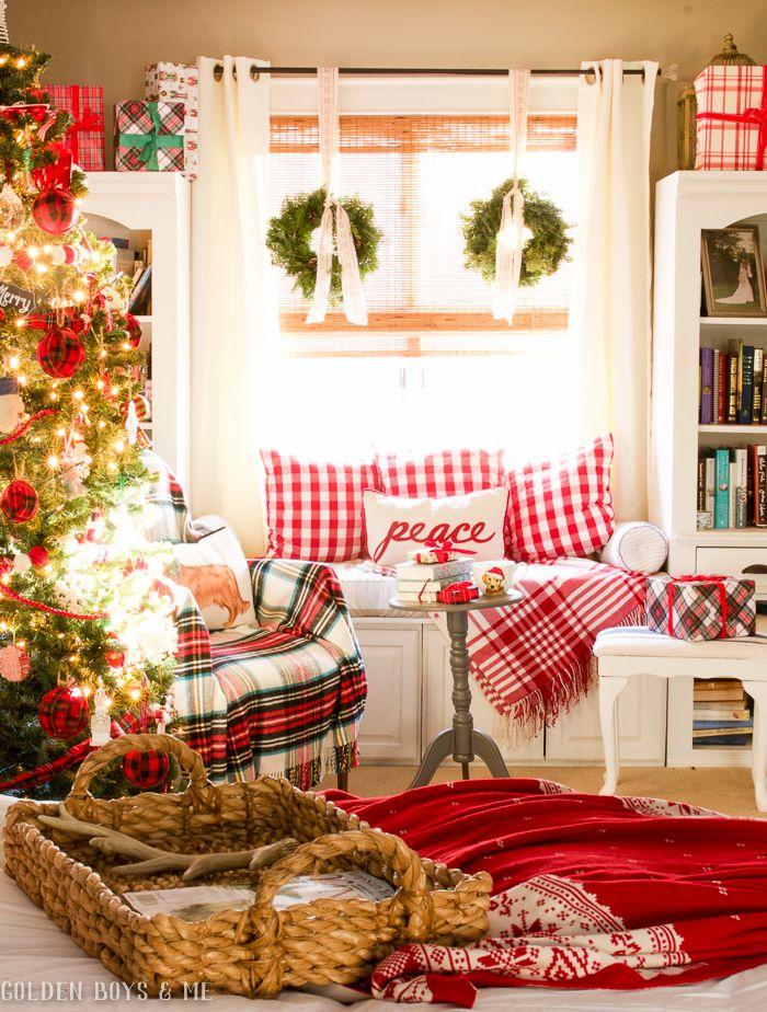 Cozy Christmas Window seat nook via goldenboysandme
