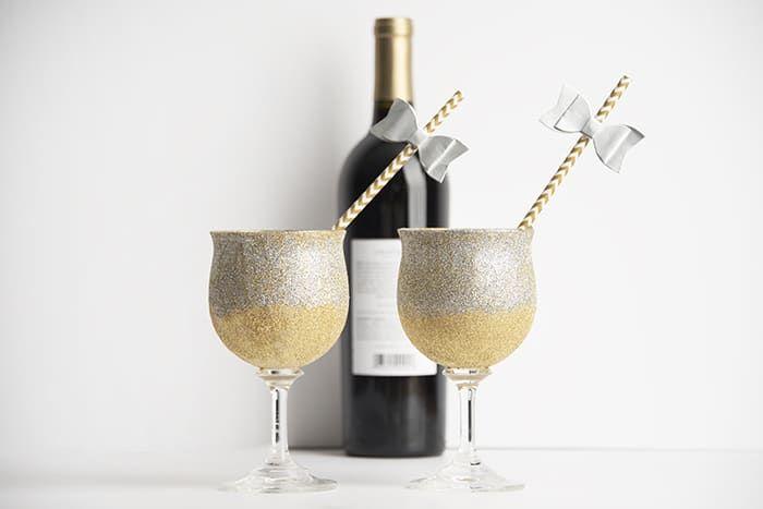 DIY Glitter Wine Glasses via modpodgerocksblog