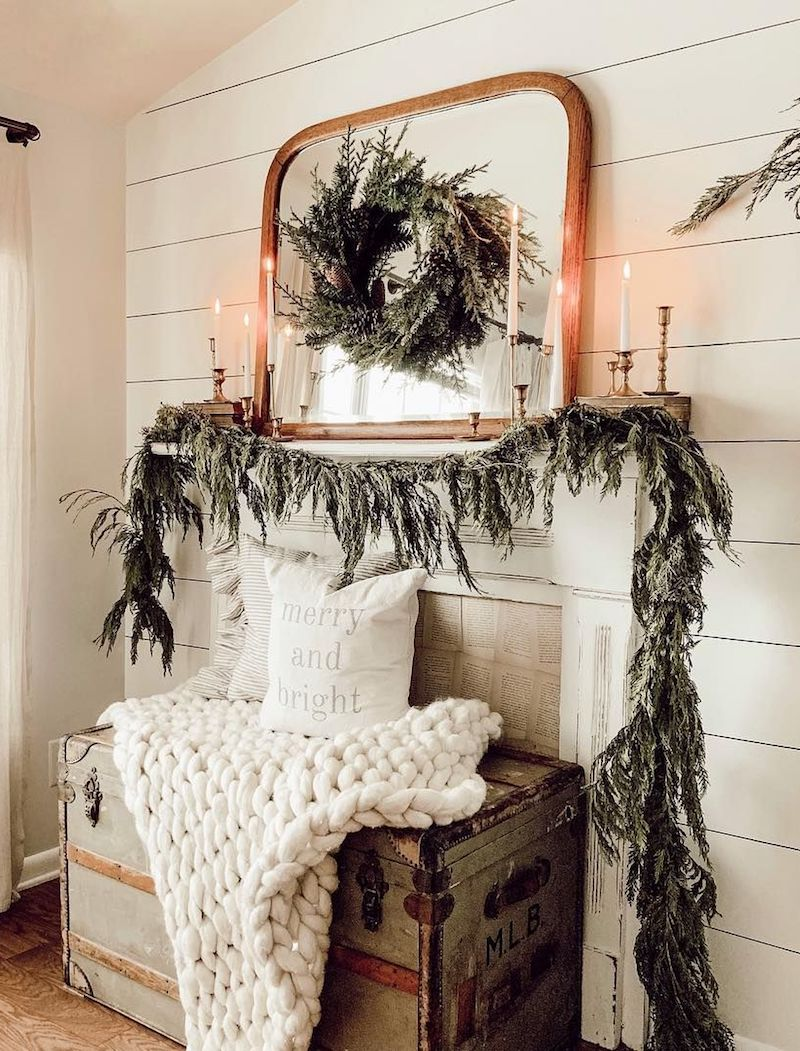 Farmhouse Mantel Christmas Decorating via @allthingschippy
