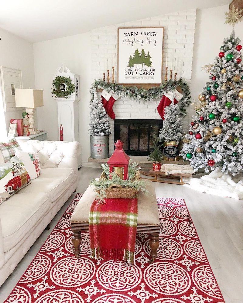 Farmhouse Red Christmas Living Room Decor via @thethankfulfarmhouse