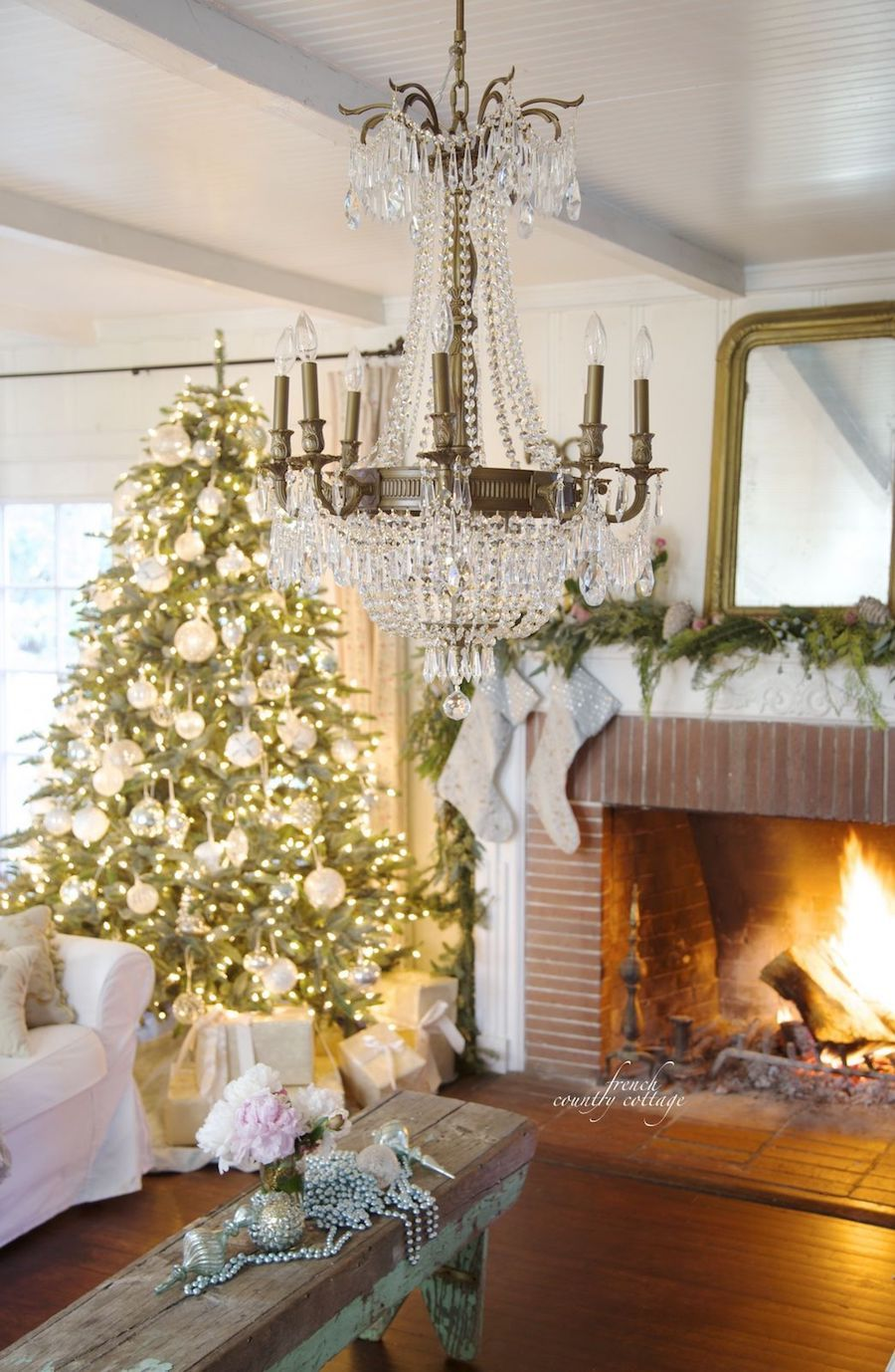 French Country Christmas Chandelier via Frenchcountrycottage #FrenchCountry #FrenchChristmas #FrenchCountryDecor