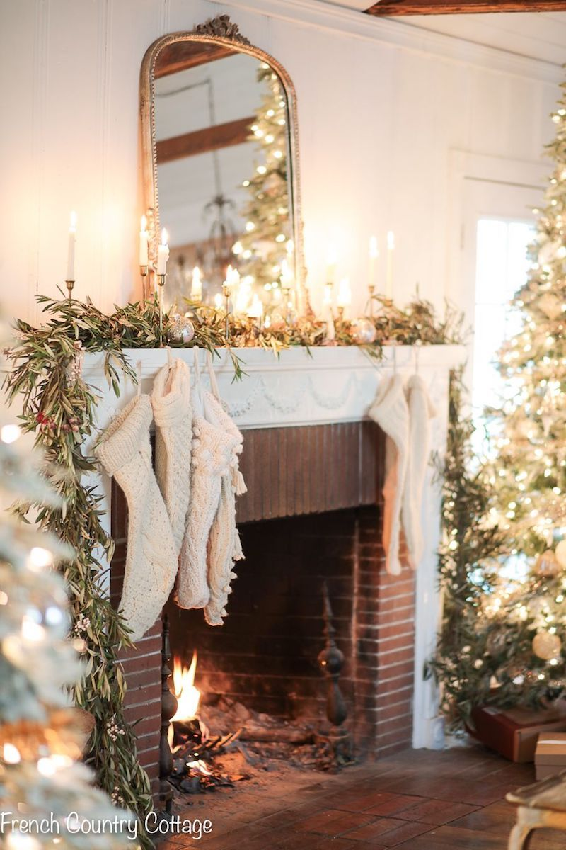 French Country Christmas Mantel Decor via frenchcountrycottage #FrenchCountry #FrenchChristmas #FrenchCountryDecor