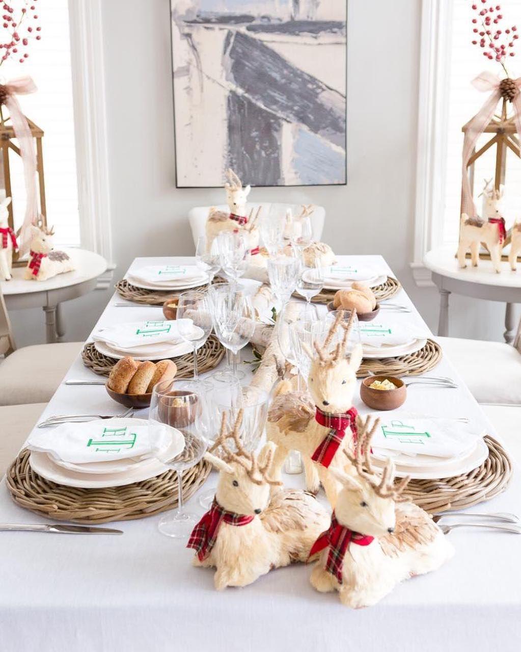 Little Reindeer Christmas Tablescape via @marialeticiaphotos