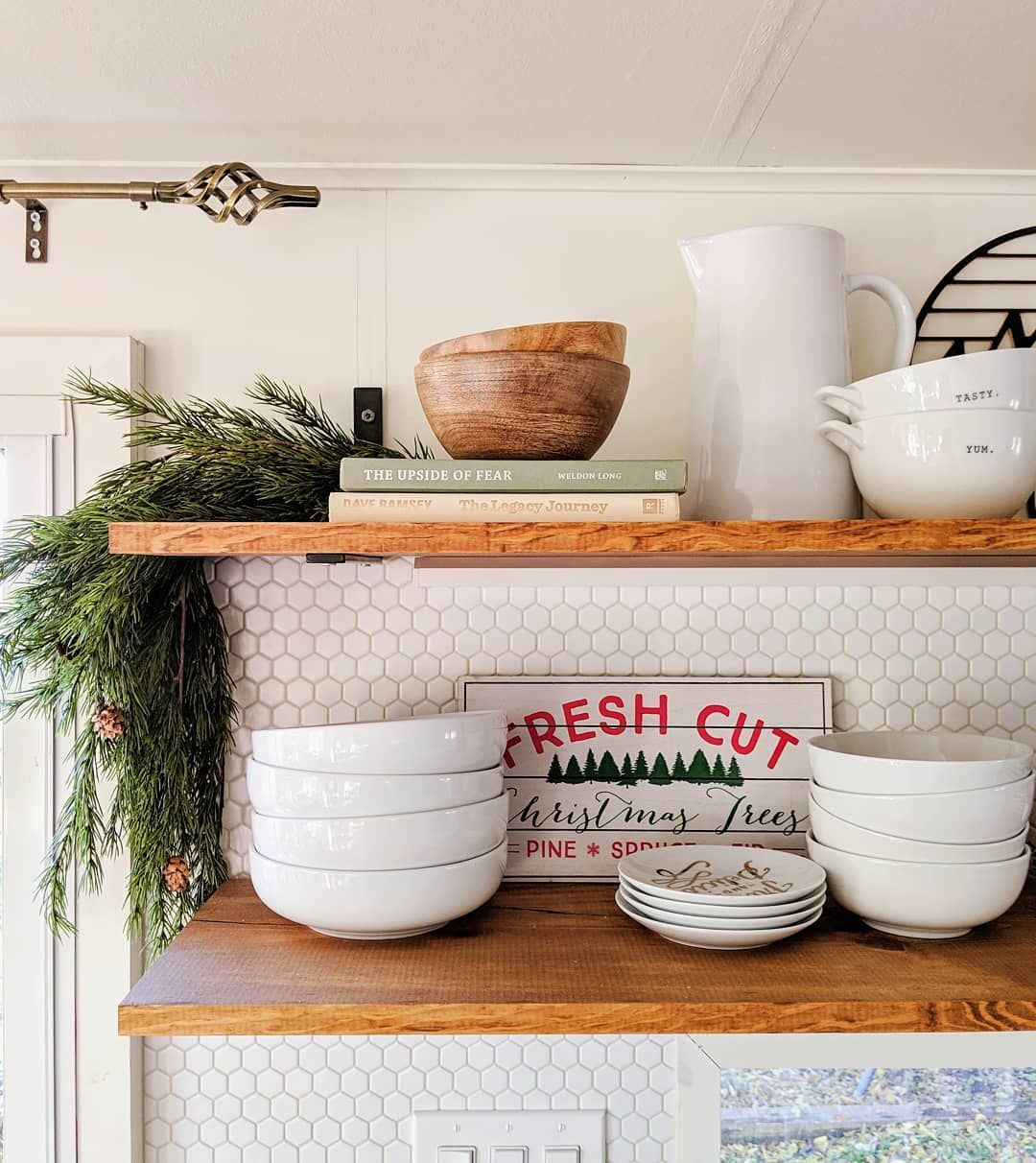 Open Kitchen Shelves with Garland via @ashley.joyfullygrowing