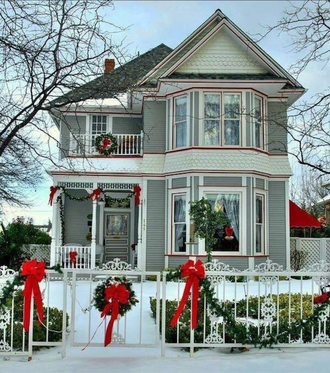 Outdoor Christmas House Decor Ideas