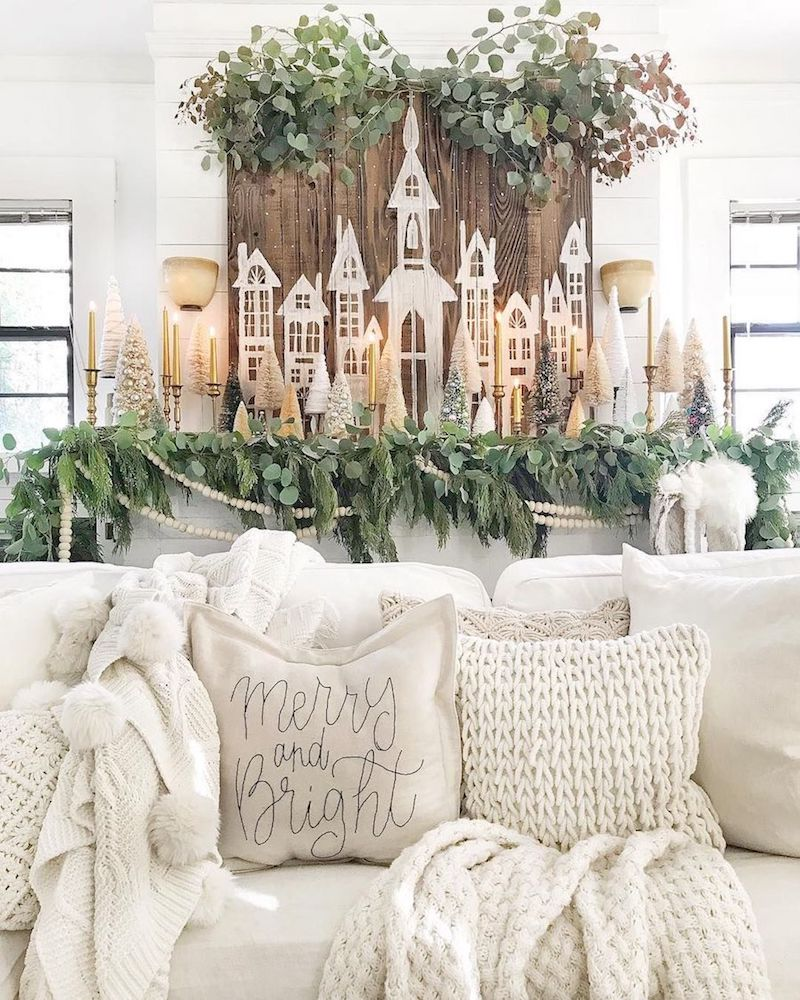 Painted Wood Christmas Mantel via @toni_marianna