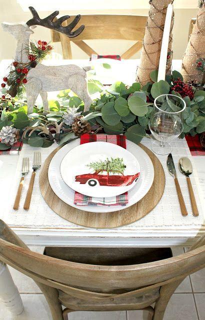 Plaid Christmas Table Setting via Nestingblissfullyinteriors