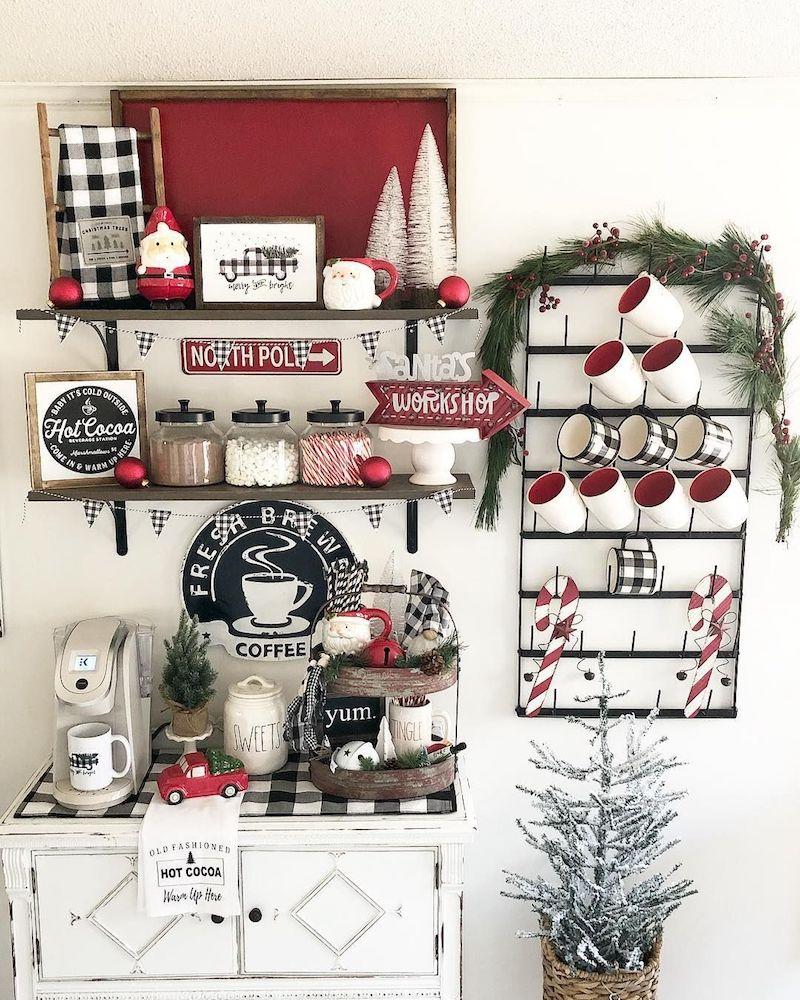 Red and White Festive Hot Cocoa Bar via @mycarolinafarmhouse #HotCocoaBar