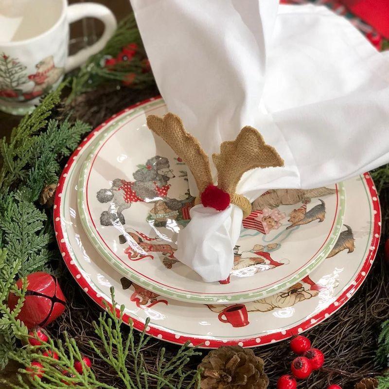 Reindeer napkin ring via @freshflowerbar