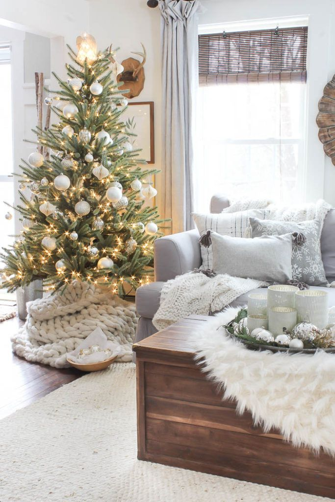 Relaxed Farmhouse Christmas Living Room via roomsforrentblog