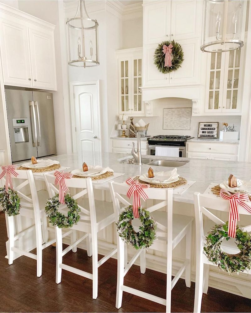Ribbons and Wreaths Christmas Kitchen via @heatherbuglane
