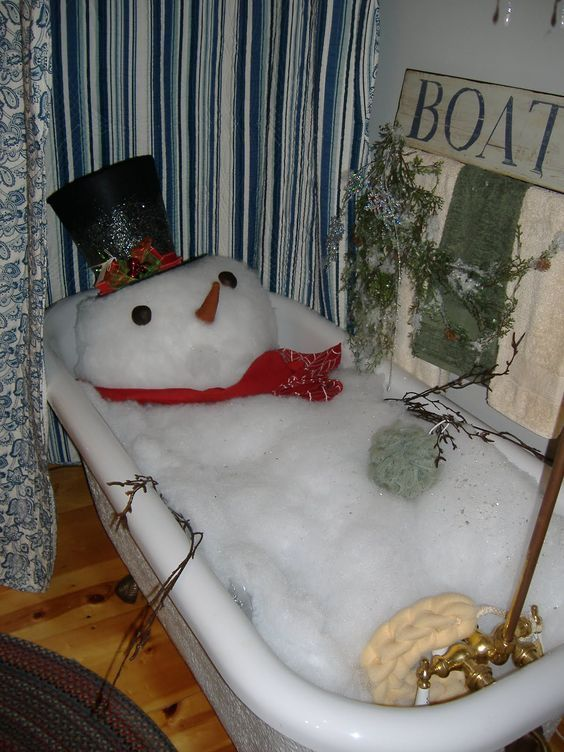 Snowman in the Bathtub – Funny Holiday Decor Ideas!! #ChristmasDecor #ChristmasBathroom