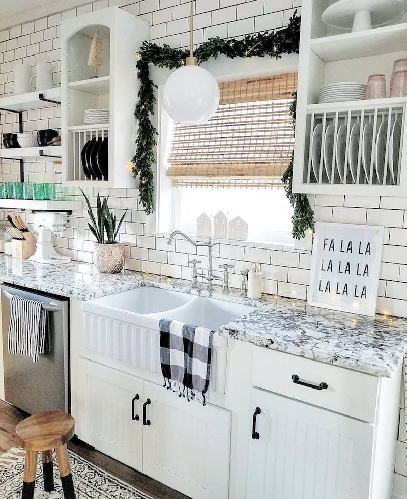 String Lights and Graphic Prints via @the_simple_farmhouse