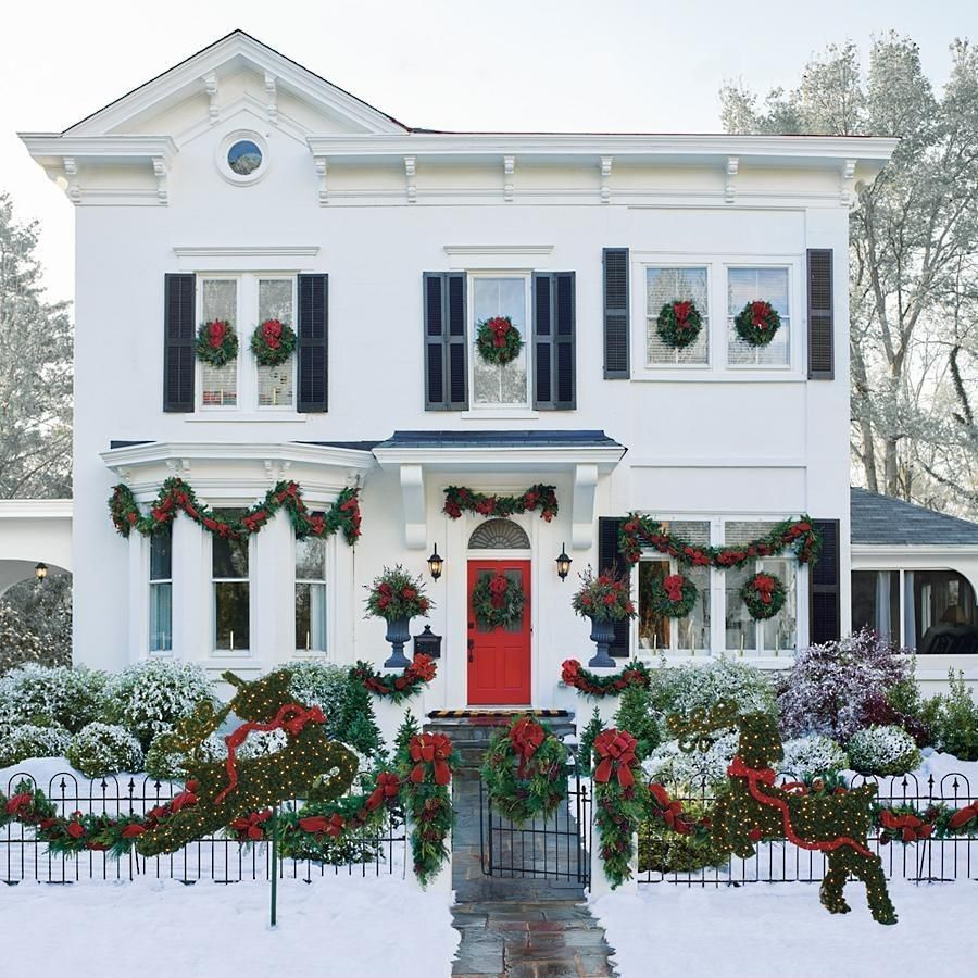 White Christmas House Decor with Wreaths
