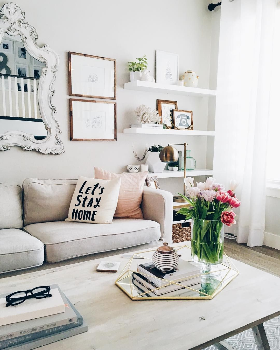 Casual Living Room Design via @ohmydearblog