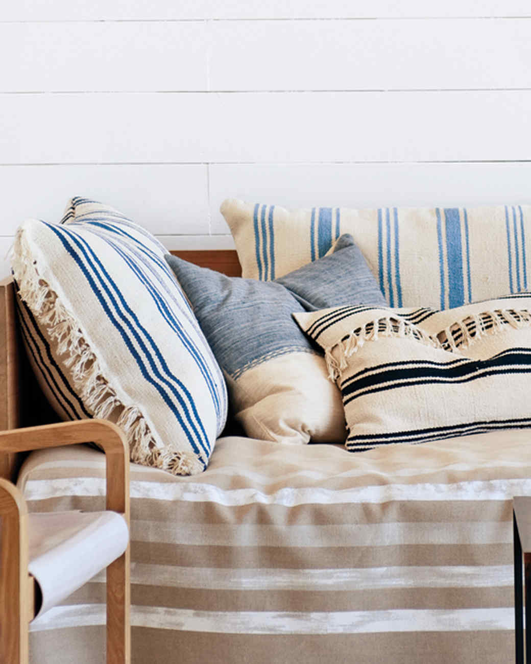 Choose the Right Throw Pillows - Blue striped throw pillows