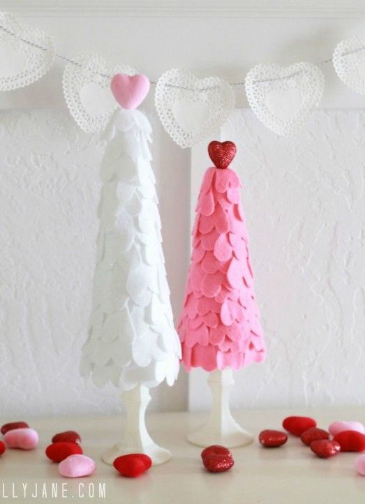 DIY Felt Heart Valentine's Day Trees via lollyjane