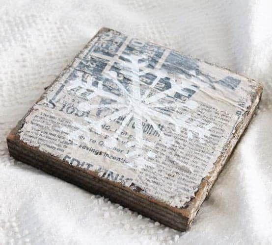 DIY Vintage Snowflake Sign via thesummeryumbrella