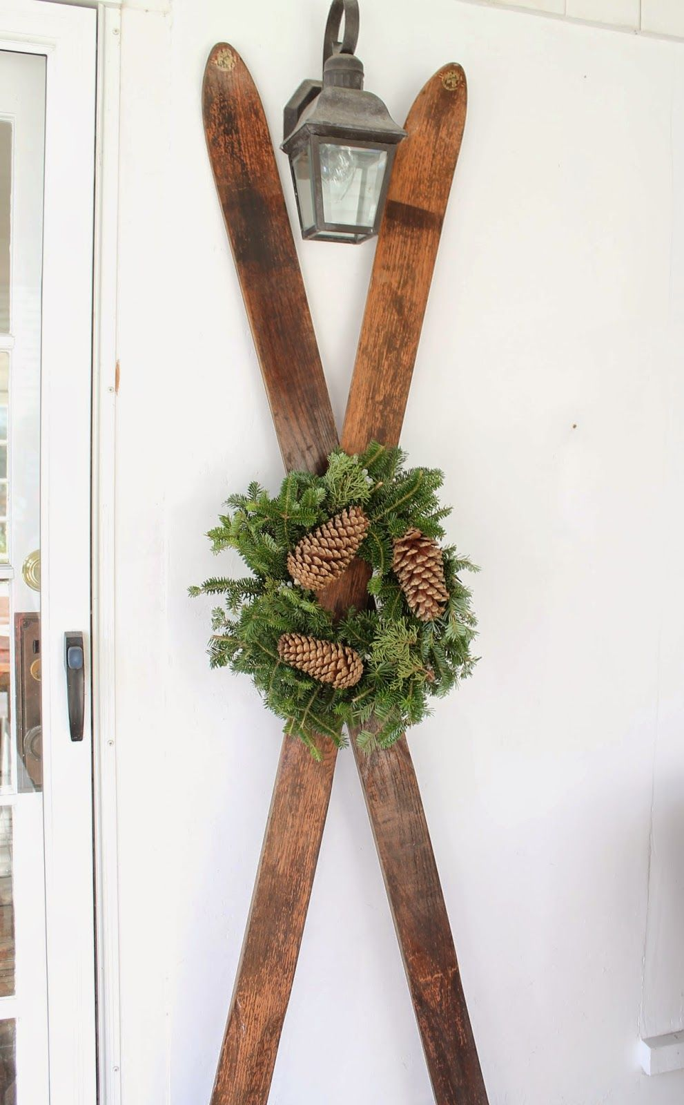 Wooden skiis wall decor via thepicketfenceprojects