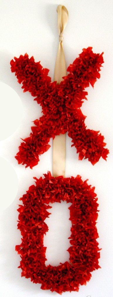 XO Tissue Paper Door Hanger via designertrapped