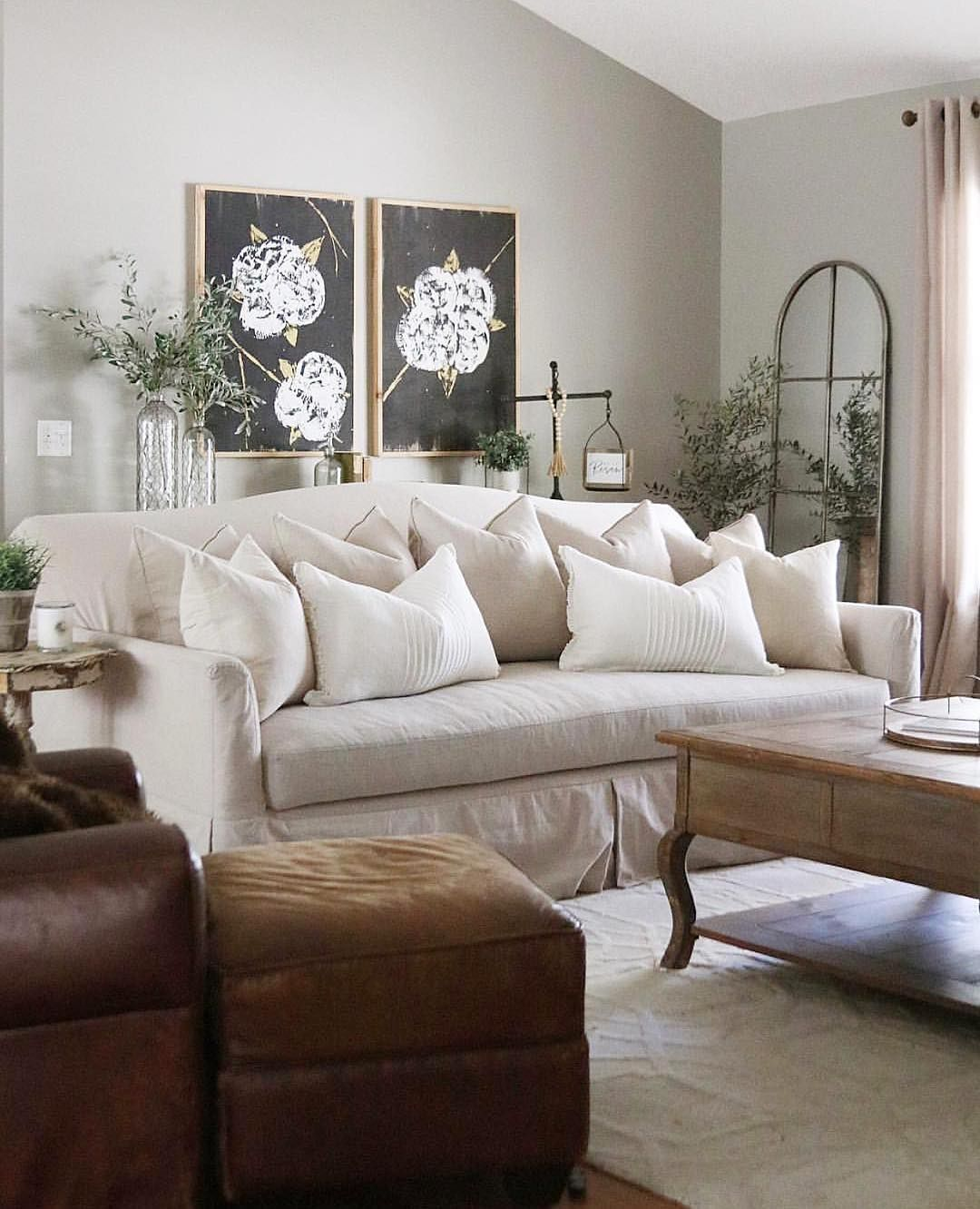 24 gorgeous french country sofas for your living room for Soggiorno country